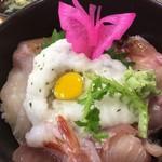 市場食堂ぶえんかん - 単品注文ー大漁丼(1,350円)7種のネタがのってきました