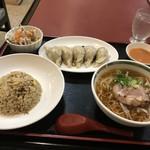 中華菜館 一番 - 料理写真:餃子定食♡