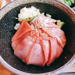 110996326 - マグロ丼