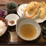 110996499 - 夏の天ぷら定食1026円税込み