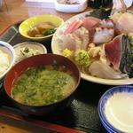 食い処 くりたや  - 刺身定食 地魚入り 1800円