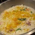 リーゾカノビエッタ - 魚介とカラスミのリゾット。一番人気みたいです。