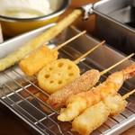 鶏と串かつ とりよし - 串かつ盛り合せ