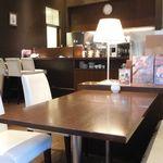M&C Cafe - 客席