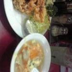 北京飯店 - 800円定食のスープは大きいのです
