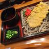 そば茶屋 吹上庵 - 料理写真:黒ぶたから揚げ板そば 太麺