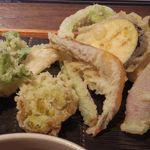 野饗 - 40分以上かかる特性天ぷらせいろ