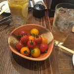 Akamitohorumonyakinonki - * ミニトマト盛り 500円