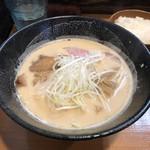 111035196 - 鶏白湯醤油ラーメン