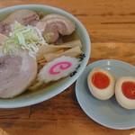 かくだや - 料理写真:チャーシュー麺と煮卵