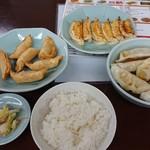 宇都宮みんみん - 焼き餃子、揚げ餃子、水餃子とライス