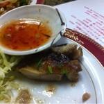 シーザー - ガイヤーン。鶏の焼き物です。