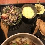むちゃく - 小鉢と野菜サラダ