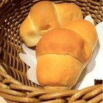 TSUKIMISO - ペリカンのロールパン