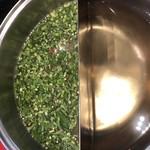111050009 - 唐辛子とパクチー全開スープと透明スープ