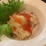 純米酒と藁焼 神楽饗 - おすすめにあったあったかいポテサラ