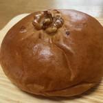 スタジオ ブレ - こしあんパン ¥162(税込)