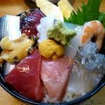 111058204 - 海鮮丼