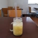 ポンポン キッチン&カフェ - ドリンク写真:ライチリンゴ