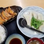 111065921 - W餃子定食(焼餃子5個、水餃子6個)¥1080