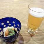 辻政 - 料理写真:生ビールと突き出し