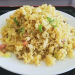 台湾料理 吉源 - カレー炒飯(横から)