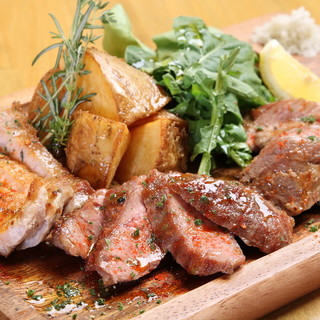 イベリコ豚の旨味をたっぷり味わえる、自慢の逸品たち