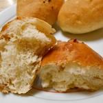 虹工房のパン屋さん - いちじくパン
