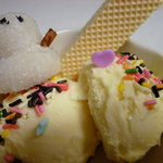 炭火焼肉大和 - アイスクリームは冬季限定雪だるま付き