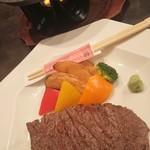 食彩香房わび助 - 料理写真:和牛の石焼ステーキ