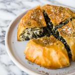 フェタチーズとワイルドベジタブルのグリークパイ