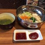 栄香苑 - ビビンバ スープ付き  600円 税込