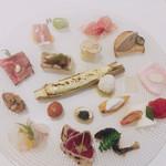 111092559 - ●Appetizer                         インサラティッシマ・リナシメント                          (瞬菜 旬魚果物の前菜盛り合わせ)