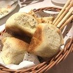 ラ・カンティーナ・カンチェーミ - パンの盛り合わせ