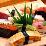 登志鮨 - 料理写真:当店1番人気 おまかせ寿司 2100円