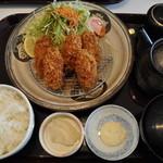 海鮮蔵 魚魚魚 - 大粒カキフライ定食
