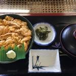 レストハウス雄冬 - 料理写真:ウニ丼