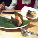 11111010 - 玄米おにぎり2個300円(梅・おかか 食べかけです^^;)