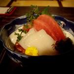 北海道料理 炉ばた - マグロとイカの刺身