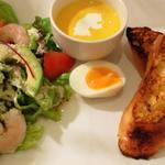 サンデーブランチ - 海老とアボガドのシュリンプサラダ フレンチトースト添え
