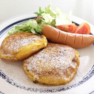 ボンヌ カフェ - 自家製ブリオッシュフレンチトースト
