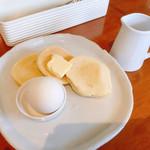 サントノーレ - パンセット 410円 パンケーキ、ゆで玉子