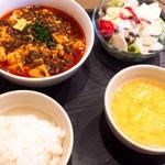中華ダイニングワクス - 麻婆豆腐セット(税込800円)