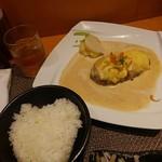 Shunsaisutekidokororaimuraito - らいむらいと風チーズハンバーグ(200g)(ライス・サラダ付)1,380円(税込)