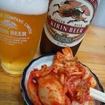 111130391 - キムチと瓶ビール 2019/07/05