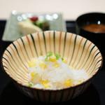 祇園 にしかわ - とうもろこしご飯、 赤出汁、 香の物