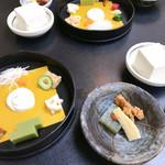 笹乃雪 - 料理写真:生盛膾(左) こちらは自分で白和えにします