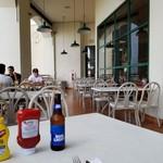 Hard Rock Cafe Guam - テラス席&バドライト。