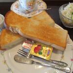 コーヒーファーム - 料理写真:モーニングサービスのトースト