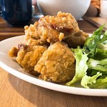 肉バル アンカーグラウンド - 唐揚げ